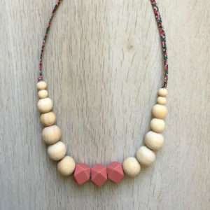 collier-alhambra-rose-les-grignotins-haut