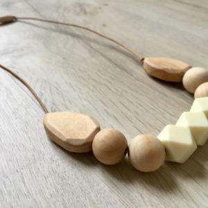 collier-alhambra-beige-profil