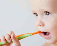 Dents de lait de bébé: comment en prendre soin?