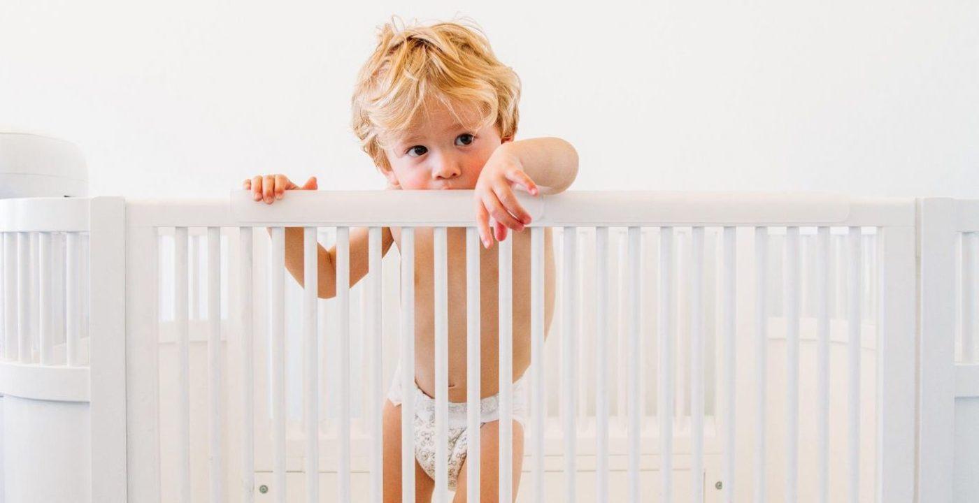 Lit Au Sol Montessori Quel Age quand et comment passer bébé dans un grand lit ? - les