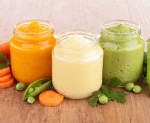 Diversification alimentaire de bébé: guide et étapes pour bien démarrer